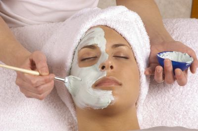 Find Esthetics and Skin Care Schools, Esthetician School Resources